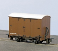 Peco OO-9 Box Van, Brown Unlettered